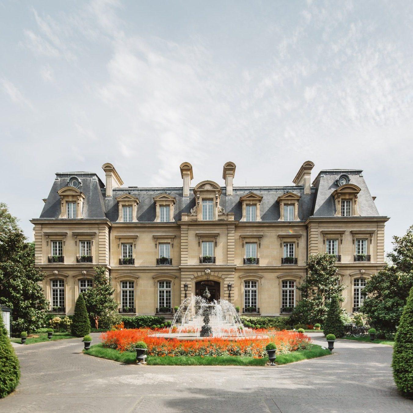 Relais & Chateaux Title